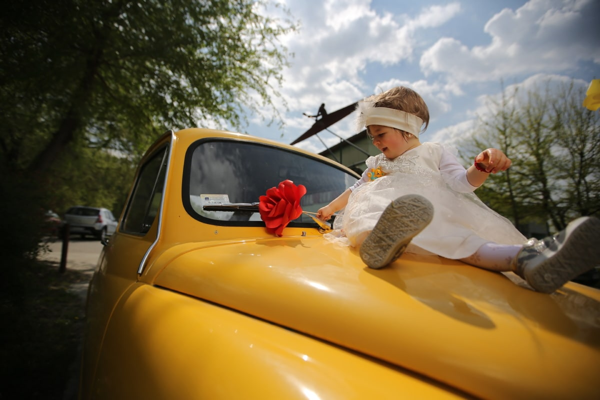 child, baby, toddler, car, girl, nostalgia, oldtimer, sedan, dress, windshield