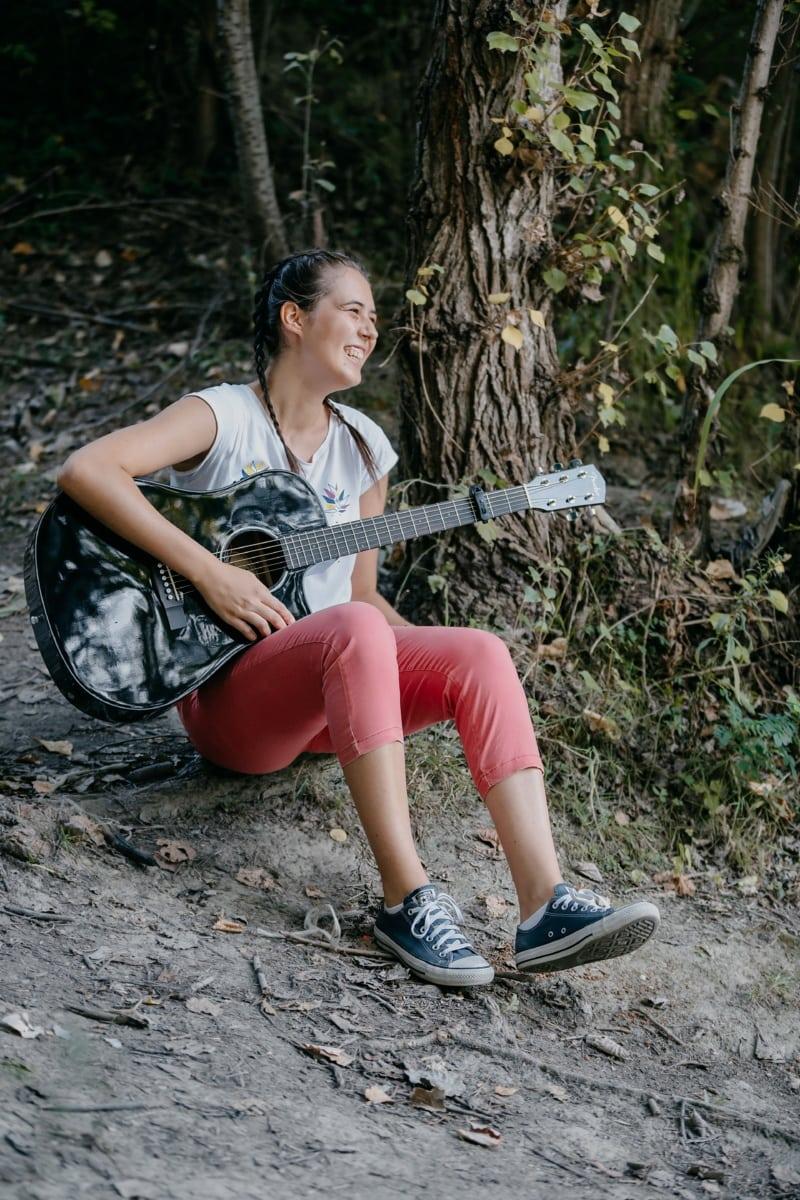 forest, pretty girl, singing, singer, guitar, guitarist, smile, girl, people, portrait