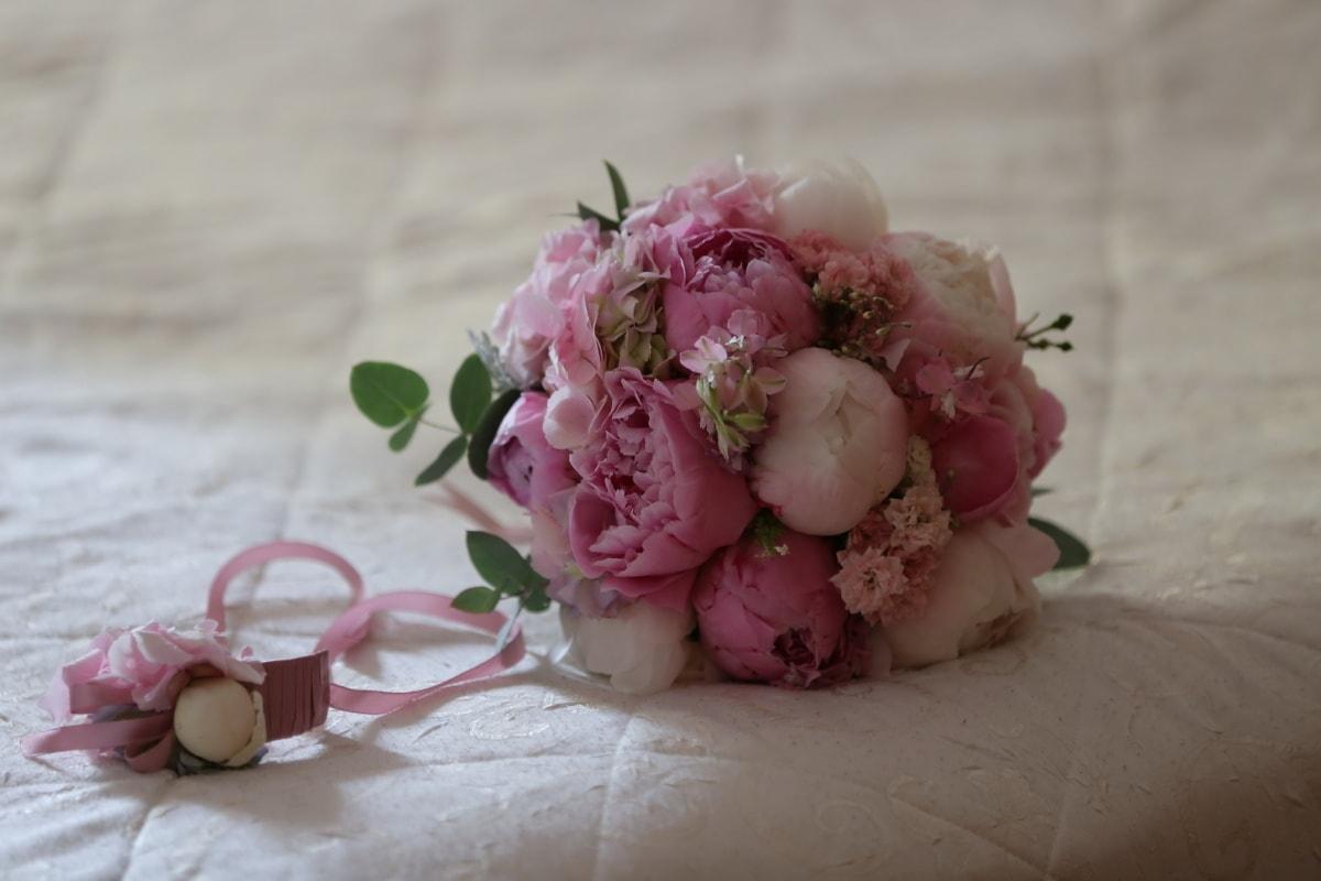 nature morte, rosâtre, bouquet de mariage, pastel, couleurs, lit, chambre à coucher, mariage, fleur, décoration