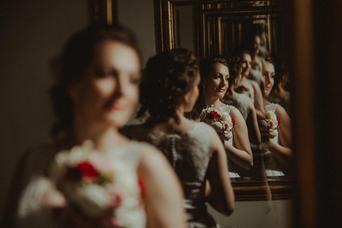 bride, mirror, salon, reflector, wedding dress, wedding bouquet, portrait, wedding, indoors, woman