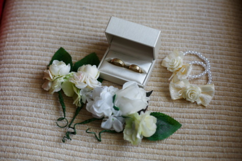 gold, golden shine, box, gifts, wedding ring, rings, white flower, wedding, roses, pearl