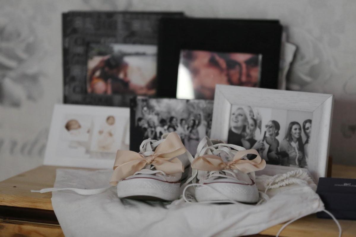 chaussures, cadre, lacet, photo, chaussures de sport, photo, gens, meubles, à l'intérieur, chambre