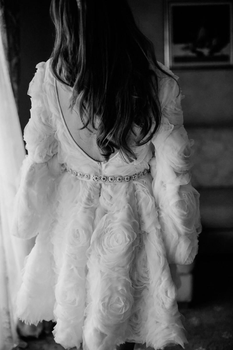 Wohnzimmer, Einkaufen, Shopper, Hochzeitskleid, schwarz und weiß, Braut, Mädchen, Porträt, Monochrom, Mode