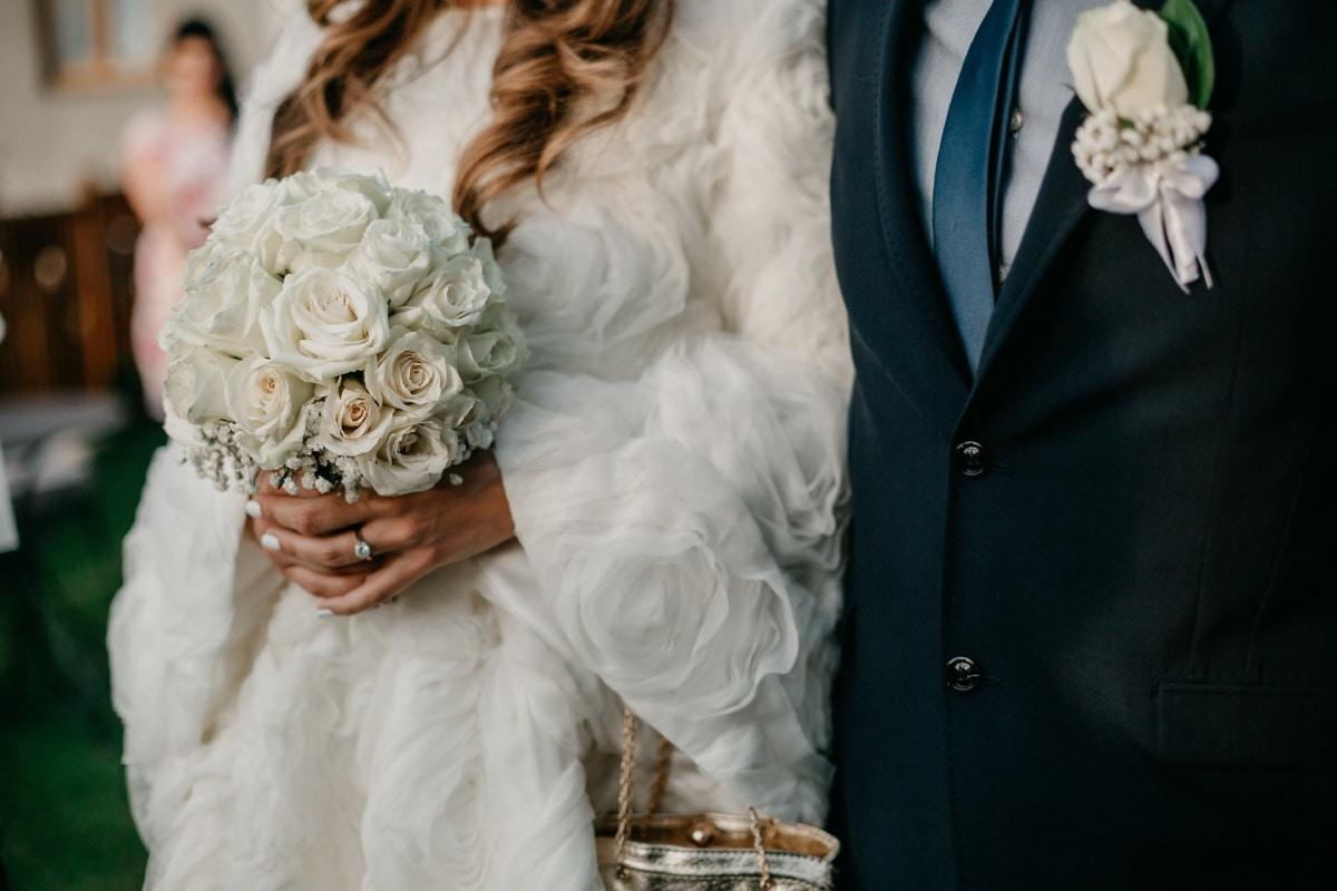 vjenčanica, mladenka, mladoženja, vjenčanje, svečanost, elegancija, stoji, odijelo, buket, brak
