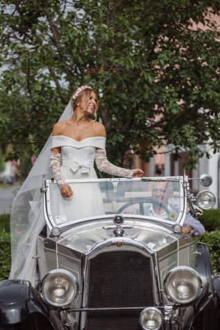 sedan, oldtimer, car, bride, father, driver, wedding, dress, classic, portrait
