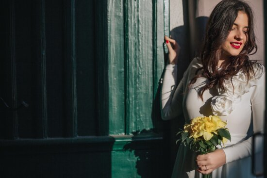 lady, gorgeous, young woman, posing, bouquet, dress, hairstyle, wedding, bride, fashion
