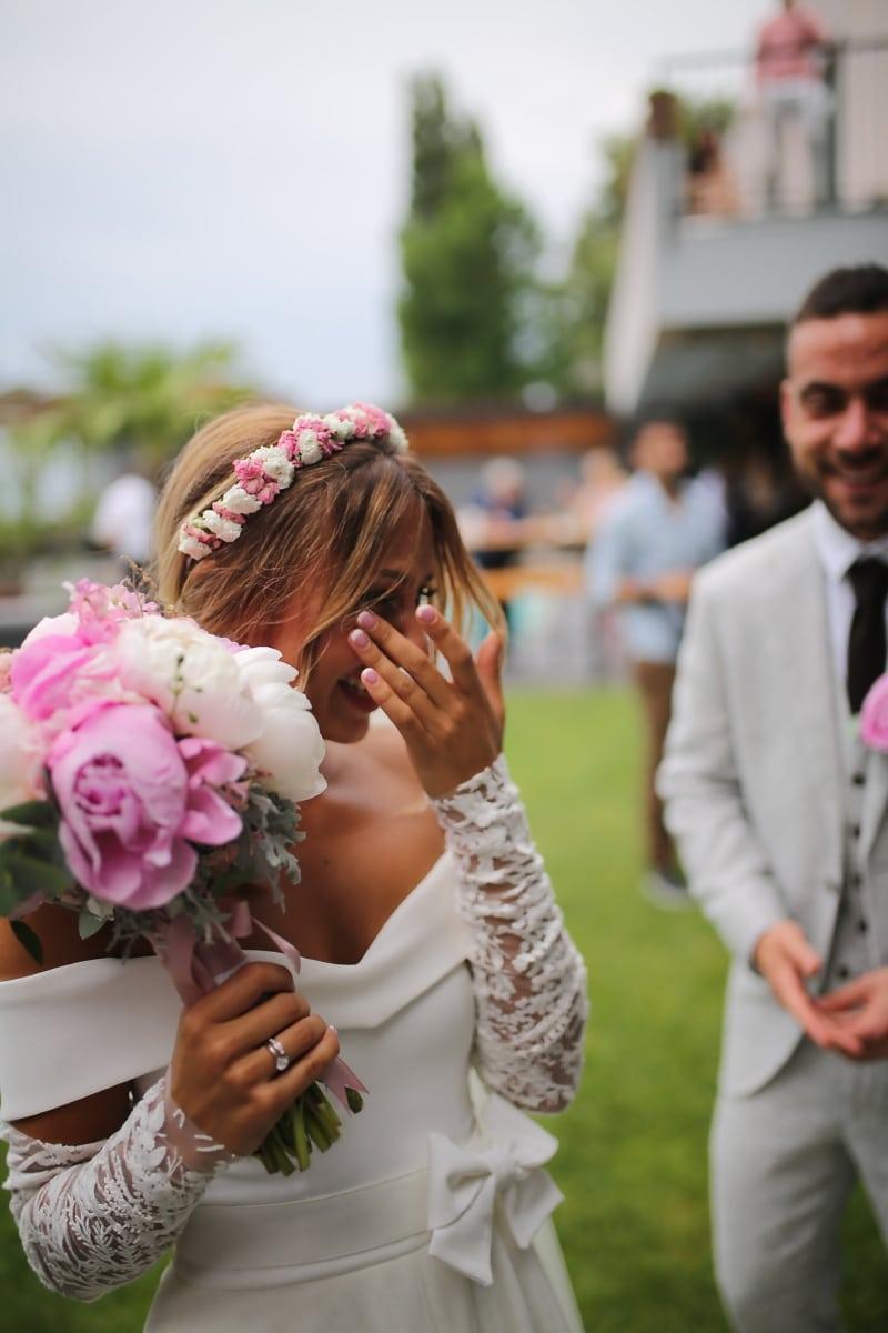 la mariée, mariage, heureux, pleurs, Jolie fille, sourire, jeune marié, bouquet, couple, femme
