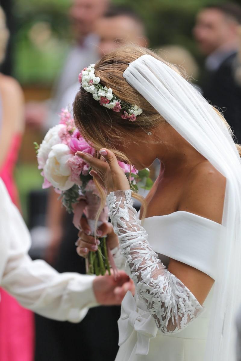 πανέμορφο, όμορφο κορίτσι, χαρά, νύφη, κλάμα, τον ενθουσιασμό, έκφραση, πέπλο, τελετή, ευτυχία