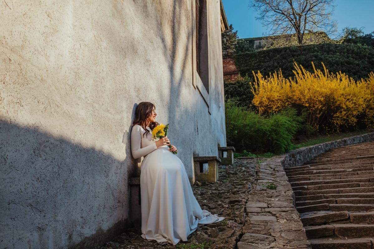 Treppen, Abfahrt, Braut, Hochzeitsstrauß, sitzen, Hochzeitskleid, Warten Sie, Mädchen, Frau, Hochzeit