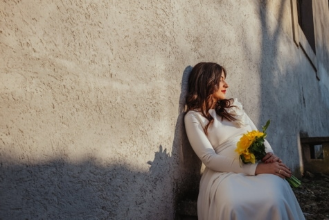 sitting, young woman, relaxation, rest, shadow, sunrays, bouquet, flowers, wall, girl