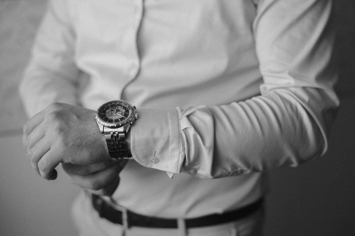 kol saati, Yöneticisi, iş adamı, takım elbise, eller, yakışıklı, kol, adam, tek renkli, insanlar