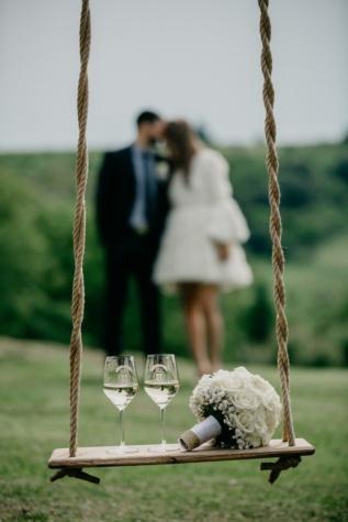 barátja, barátnő, fehér bor, pezsgő, romantika, szerelem, nő, kötél, hinta, lógott