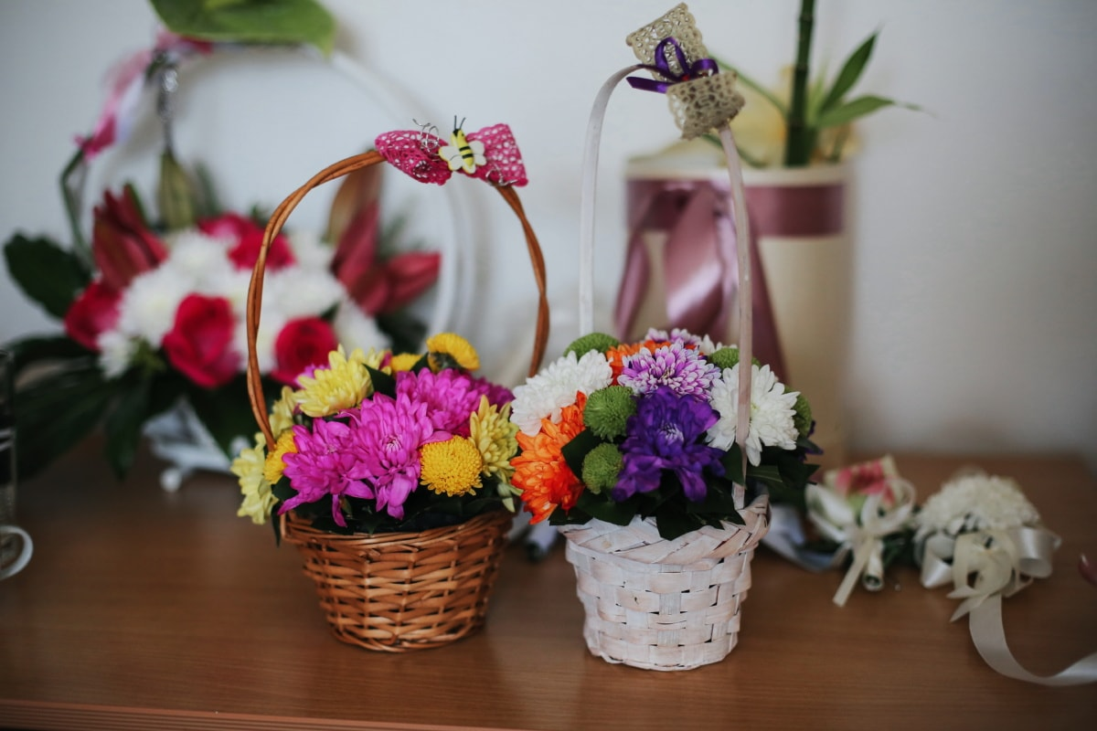 wicker basket, romantic, bouquet, elegance, handmade, flower, decoration, arrangement, flowers, still life
