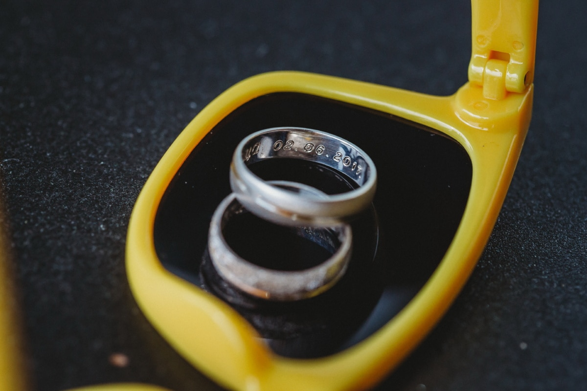 date, number, wedding ring, rings, carvings, plastic, still life, blur, close-up, detail