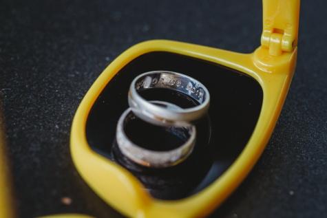 Datum, Anzahl, Ehering, Ringe, Schnitzereien, Kunststoff, Still-Leben, verwischen, aus nächster Nähe, Detail