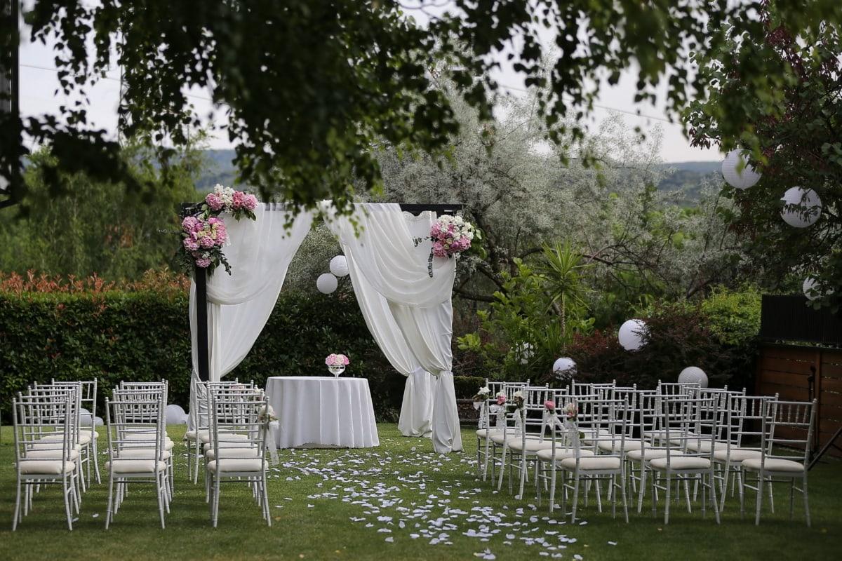 salle de mariage, chaises, jardin fleuri, élégant, meubles, pelouse, réception, jardin, fleur, mariage