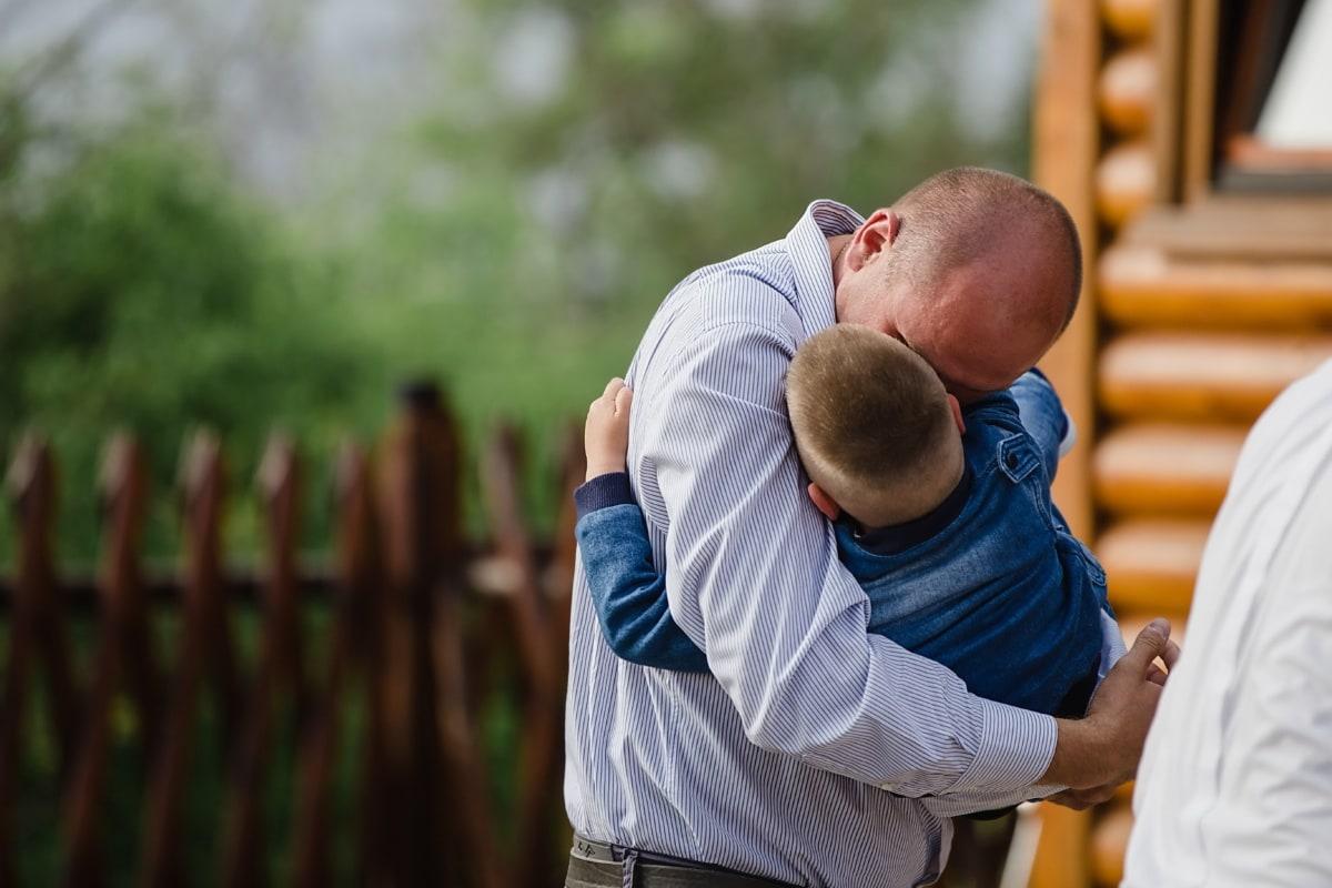 père, étreindre, fils, famille, pour le planning familial, amour, parent, homme, à l'extérieur, gens
