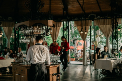 食堂, 调酒师, 酒厂, 餐厅, 人, 人, 集团, 家具, 女人, 城市