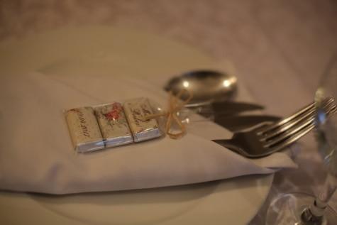 villás, evőeszközök, szalvéta, ajándékok, Valentin-nap, romantikus, ebédlőasztal, étkészlet, evőeszközök, Csendélet