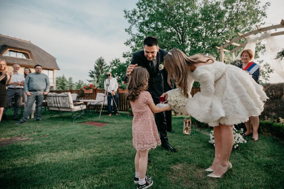 wedding ring, wedding, groom, bride, wedding venue, ceremony, pretty girl, child, crowd, park