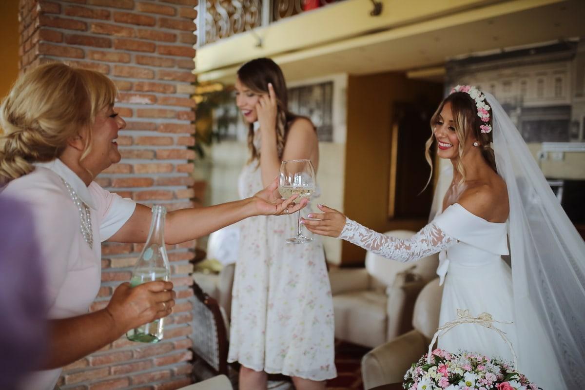 mireasa, băut, sampanie, nunta, femeie, oameni, în interior, comuniune, dragoste, fată