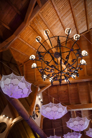 cabin, chandelier, bungalow, romantic, indoors, wood, inside, design, architecture, ceiling