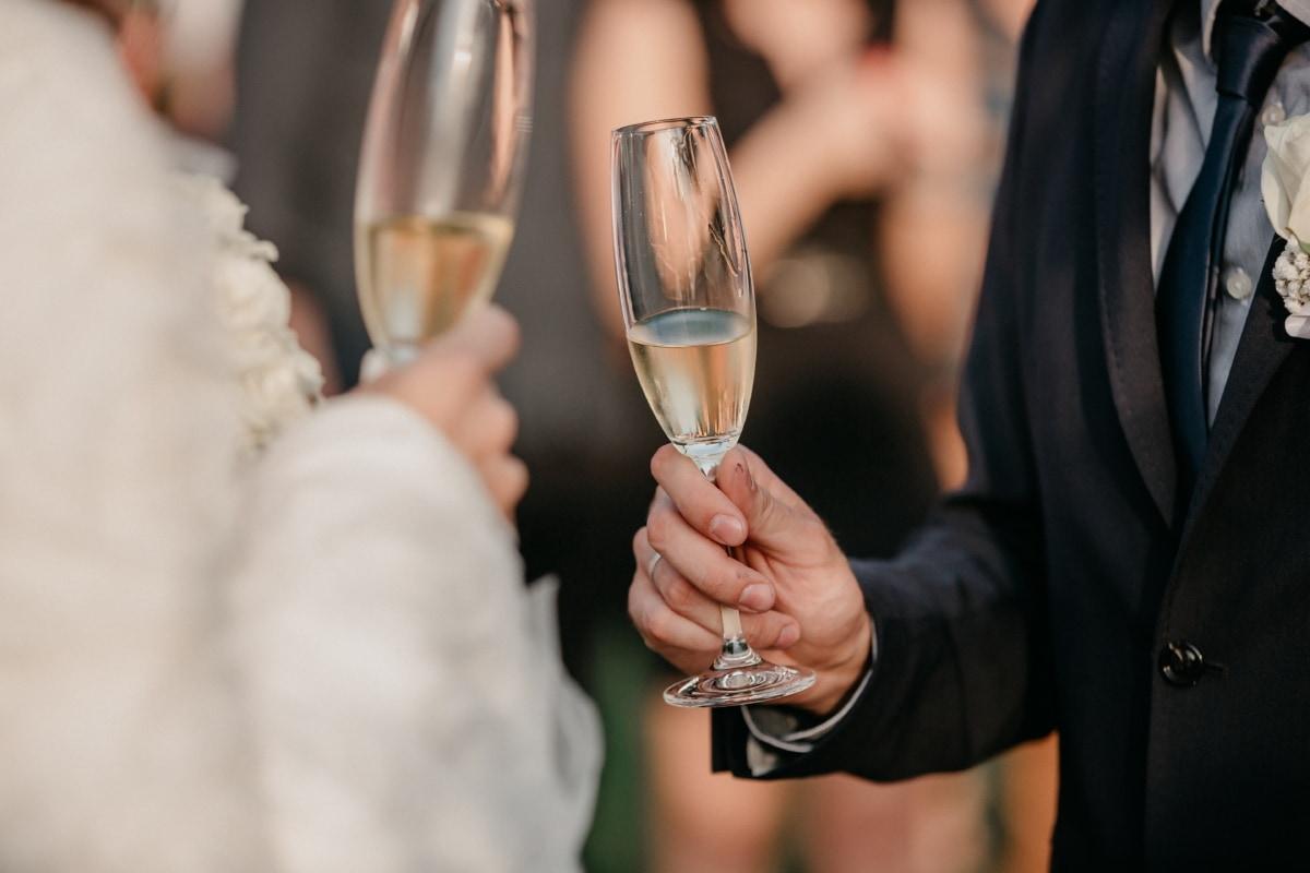 la mariée, jeune marié, consommation d'alcool, champagne, vin blanc, verre, crystal, alcool, boisson, boisson