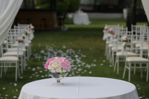 wedding venue, vase, flower, bouquet, garden, white, chairs, chair, wedding, luxury