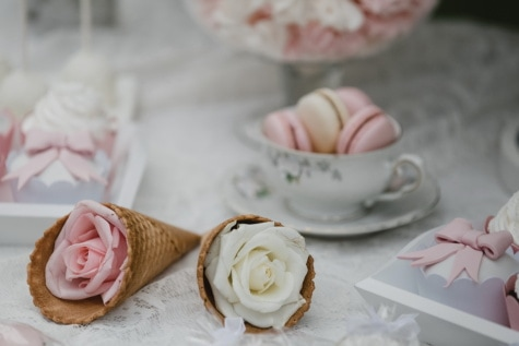 icecream, cone, roses, decorative, romantic, food, wedding, sugar, love, luxury