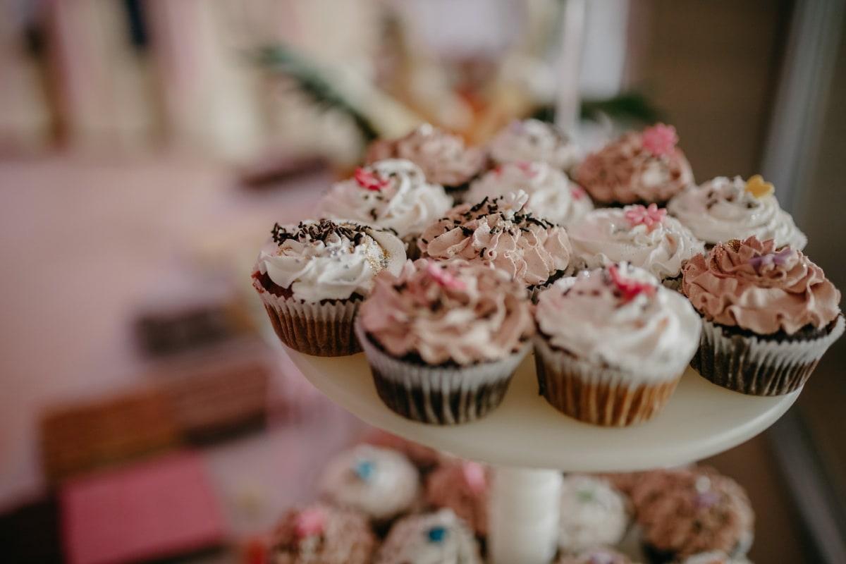 cupcake, cake, dessert, sweet, snack, food, delicious, sushi, plate, sugar