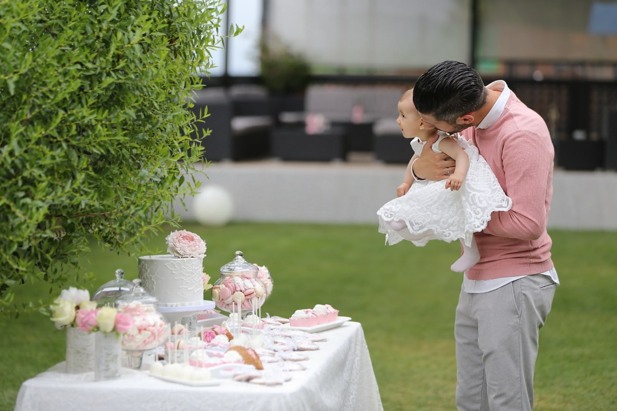 enfant en bas âge, bébé, père, anniversaire, gâteau d'anniversaire, période de vacances, célébration, famille, amour, couple