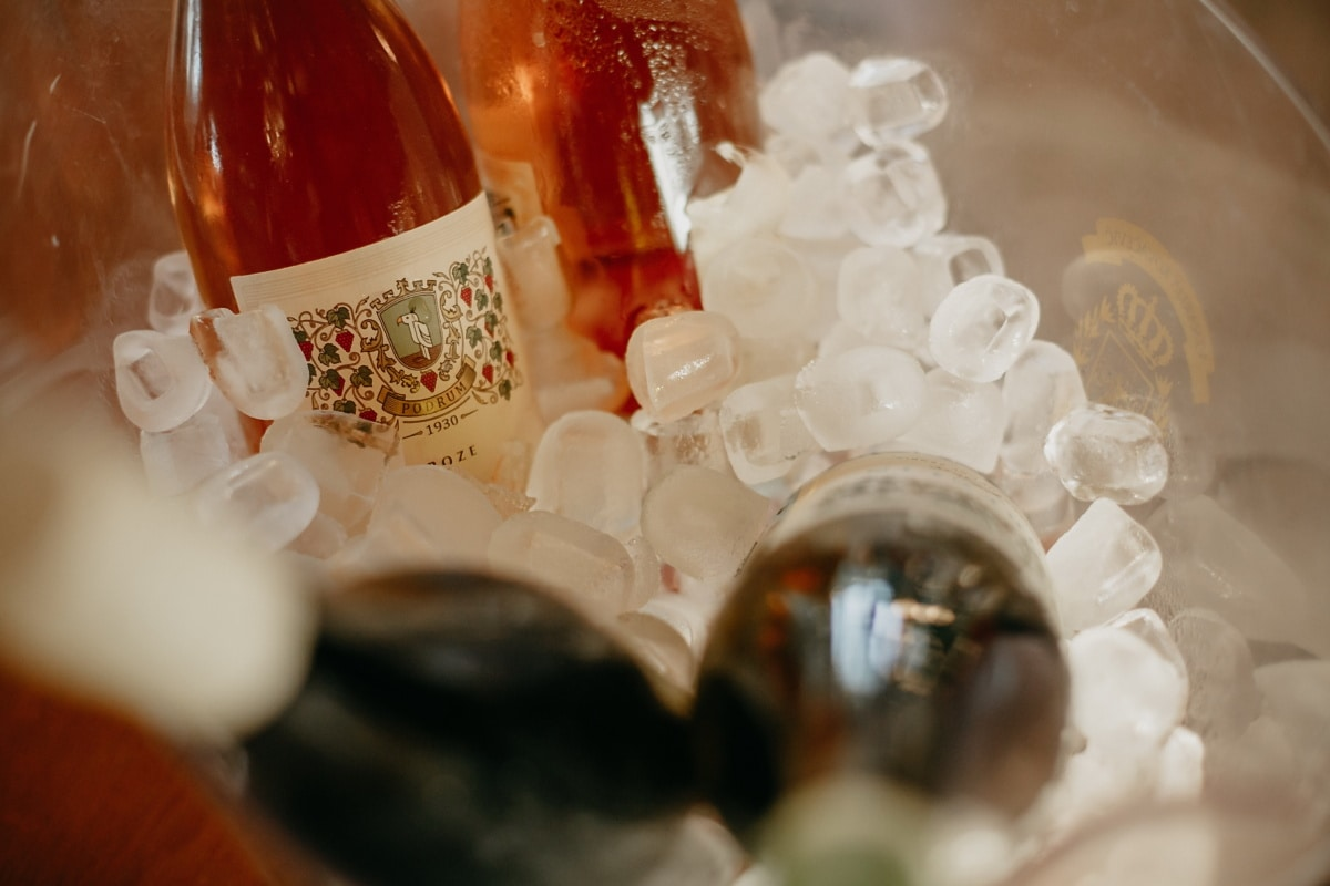 reddish, wine, winery, red wine, ice water, ice crystal, ice, glass, luxury, bottle