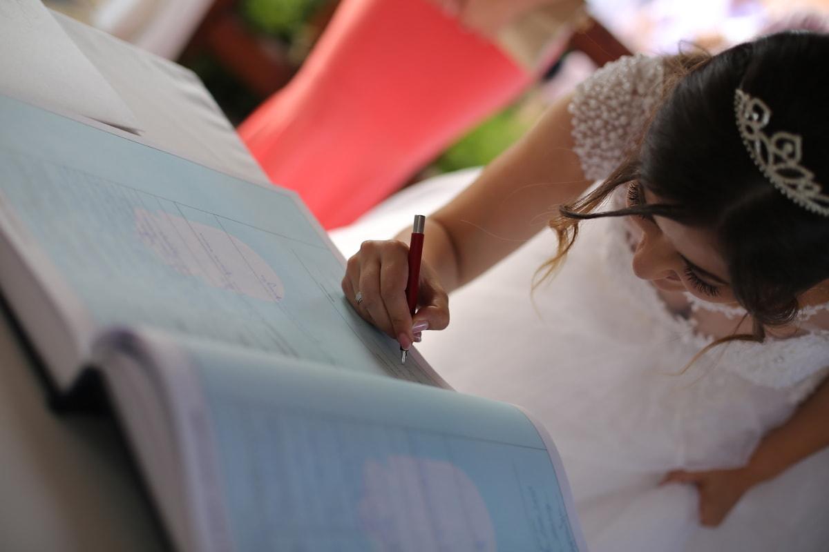 la mariée, signe, signature, mariage, crayon, livre, gens, femme, mariage, jeune fille