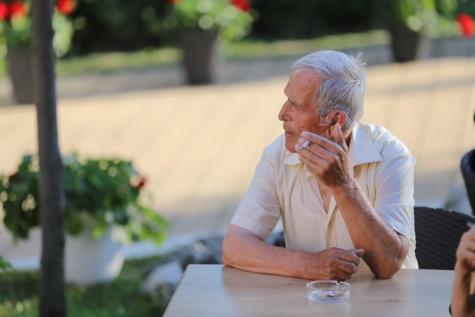 Rauch, Genuss, Elder, Zigarette, Großvater, Senior, Mann, ältere Menschen, Freizeit, im freien