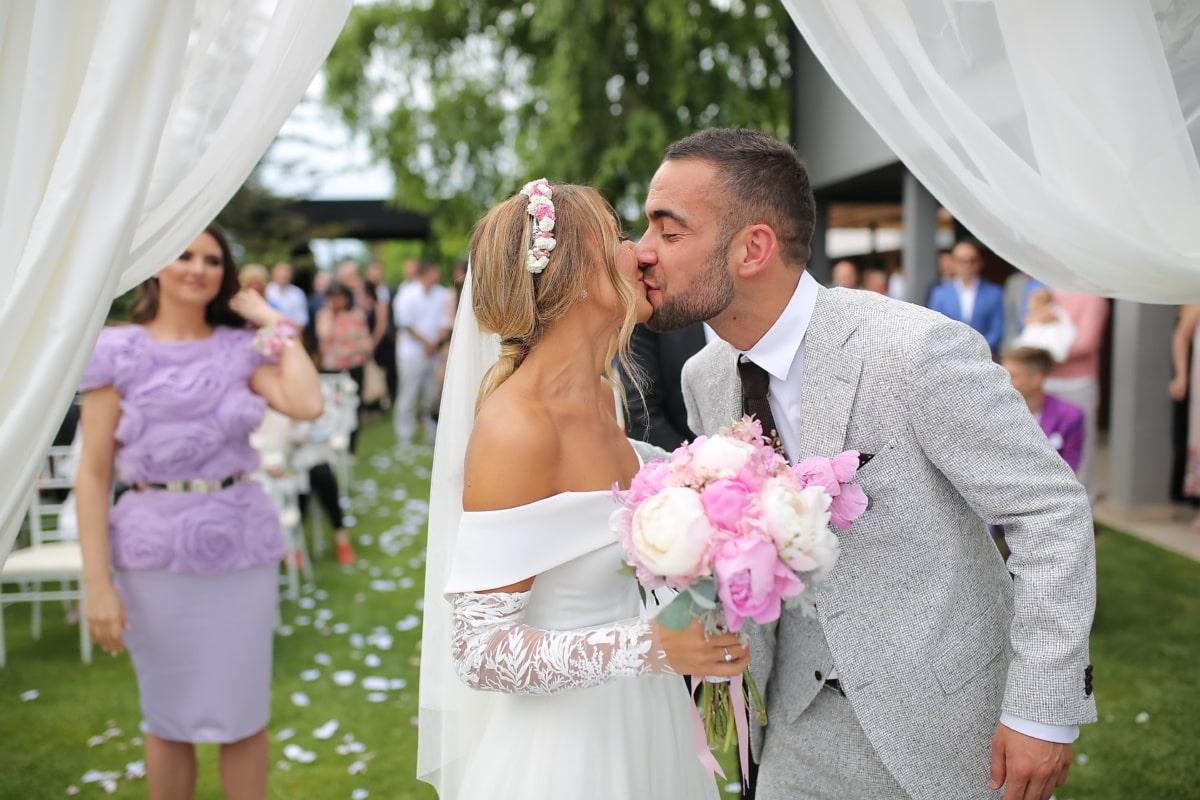 kiss, groom, bride, just married, marriage, wedding, wedding venue, love, dress, happiness