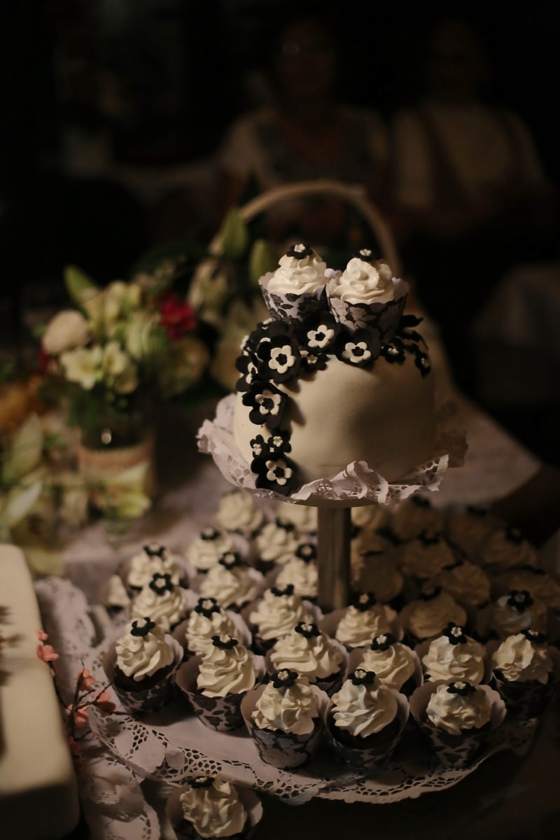 wedding cake, black and white, decoration, flowers, chocolate, wedding, flower, food, cake, dark