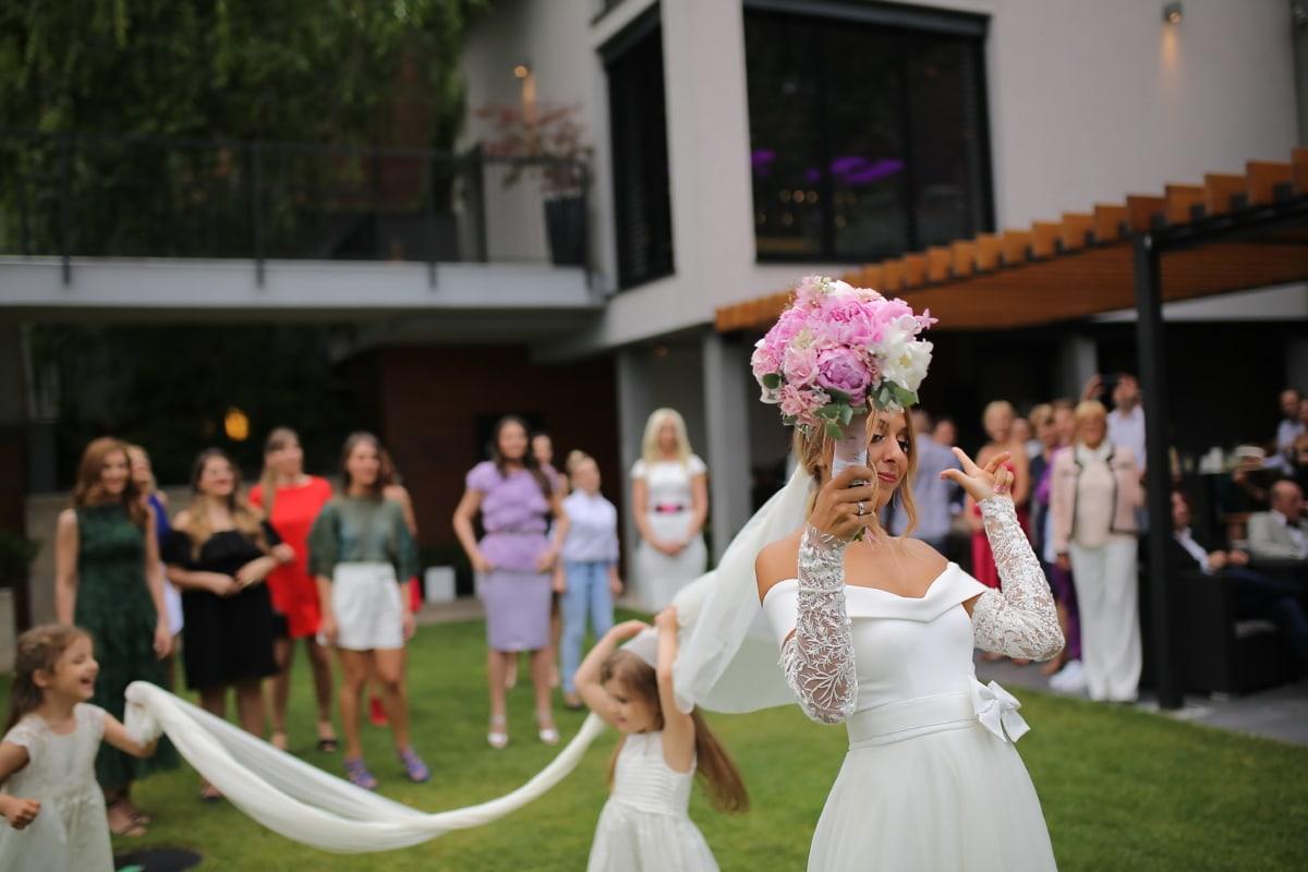Hochzeitsstrauß, Hochzeitskleid, Braut, Kleid, Hochzeit, Stand, glücklich, Frau, Menschen, Zeremonie