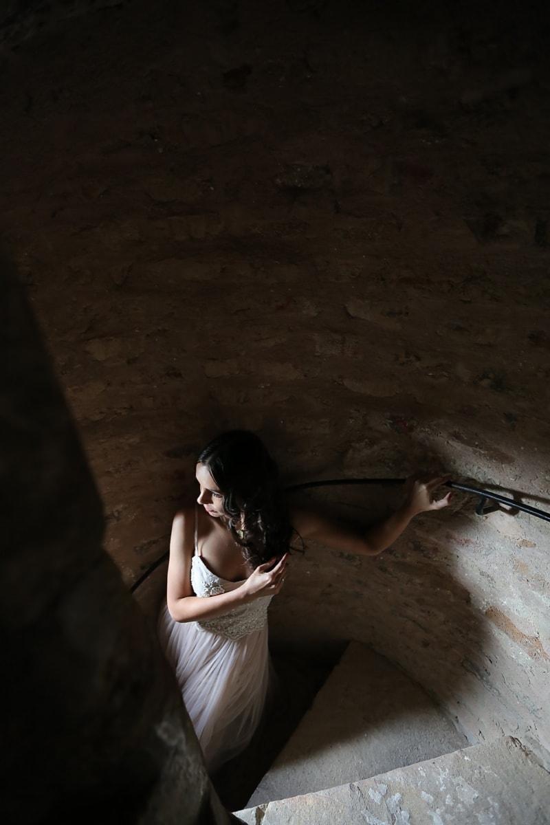 Gelin, Kale, Yalnız, merdiven, Gölge, kadın, Kız, karanlık, portre, ışık