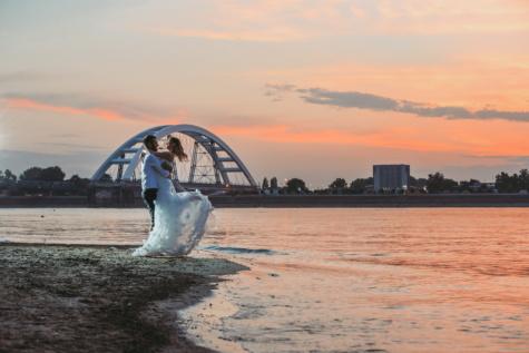 Braut, Bräutigam, Brücke, umarmt, Jungvermählten, 'Nabend, Meer, Sonnenuntergang, Dämmerung, Ozean
