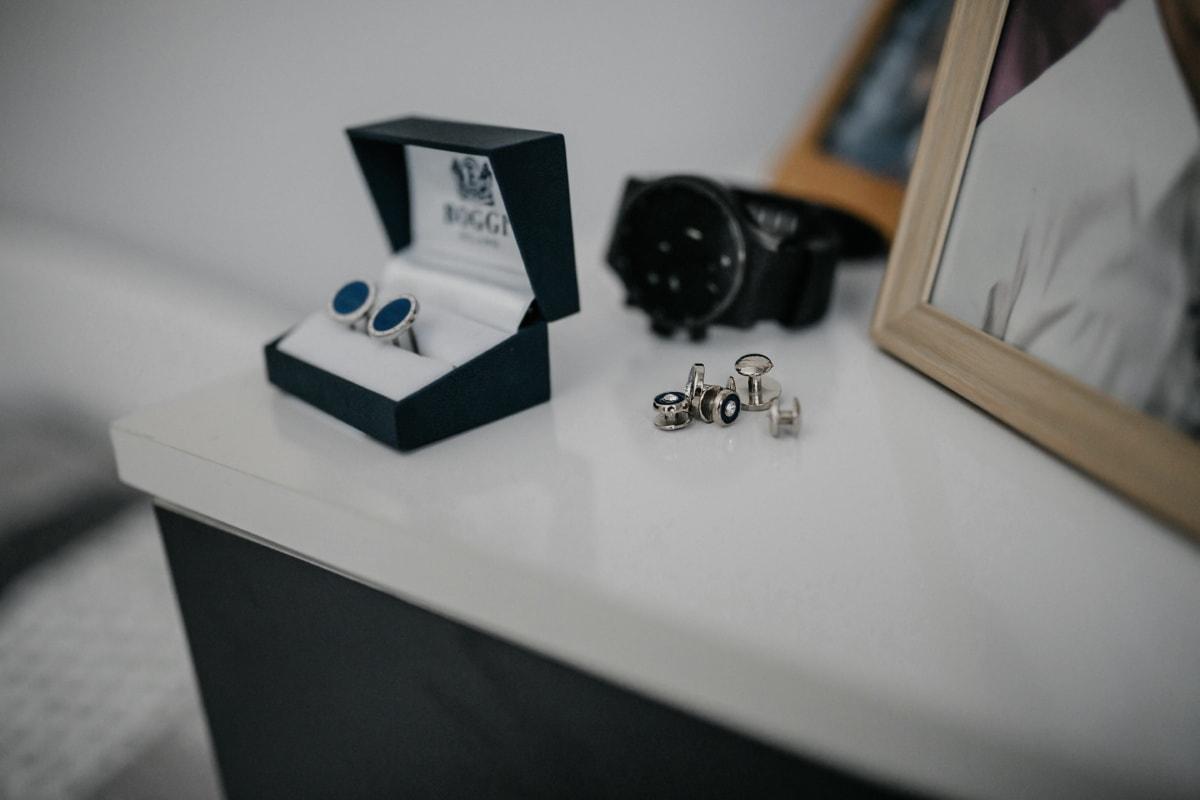 earrings, elegant, wristwatch, equipment, indoors, still life, technology, jewelry, room, blur