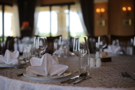 table à dîner, salle à manger, fantaisie, argenterie, nappe, vaisselle, verre, Design d'intérieur, luxe, à manger