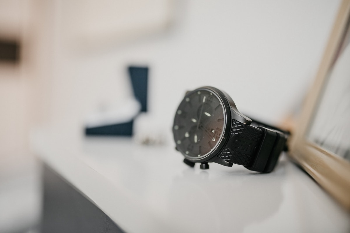fancy, wristwatch, black, style, blur, indoors, clock, analogue, time, contemporary
