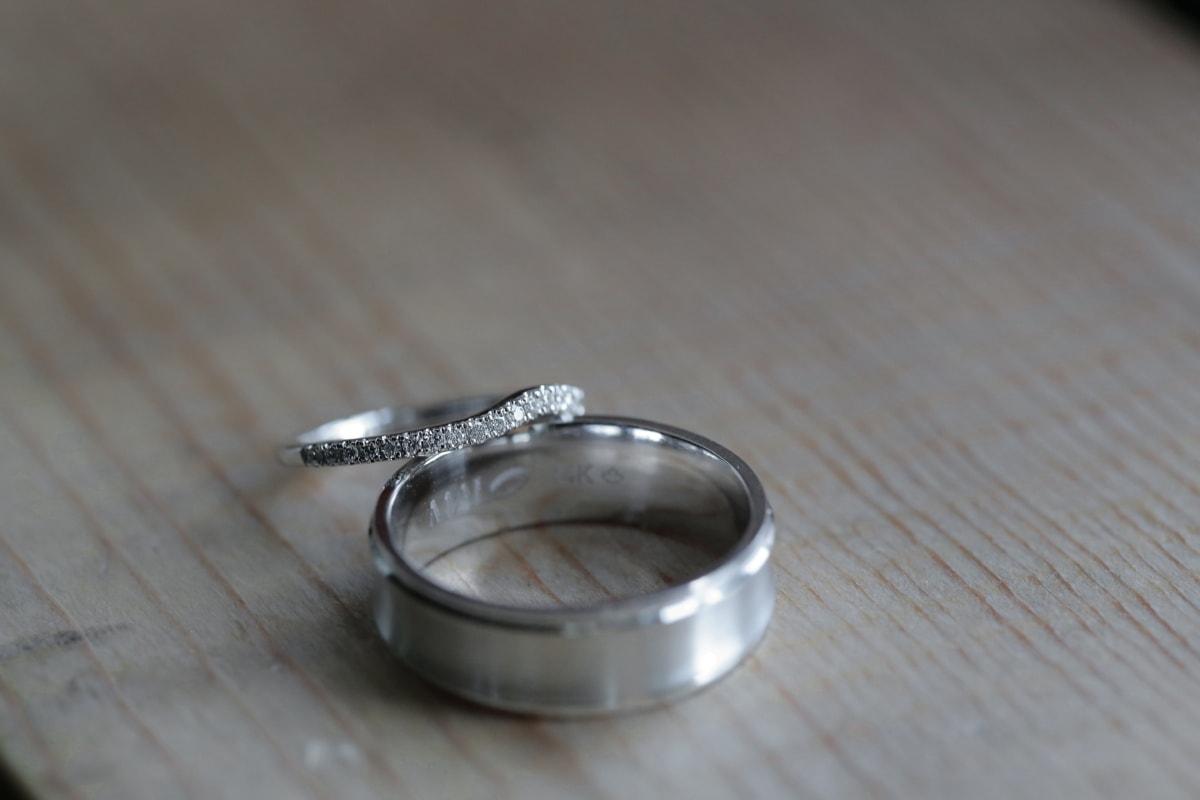 brillant, anneaux, platinum, bijoux, mariage, bois, nature morte, brouiller, chrome, vieux