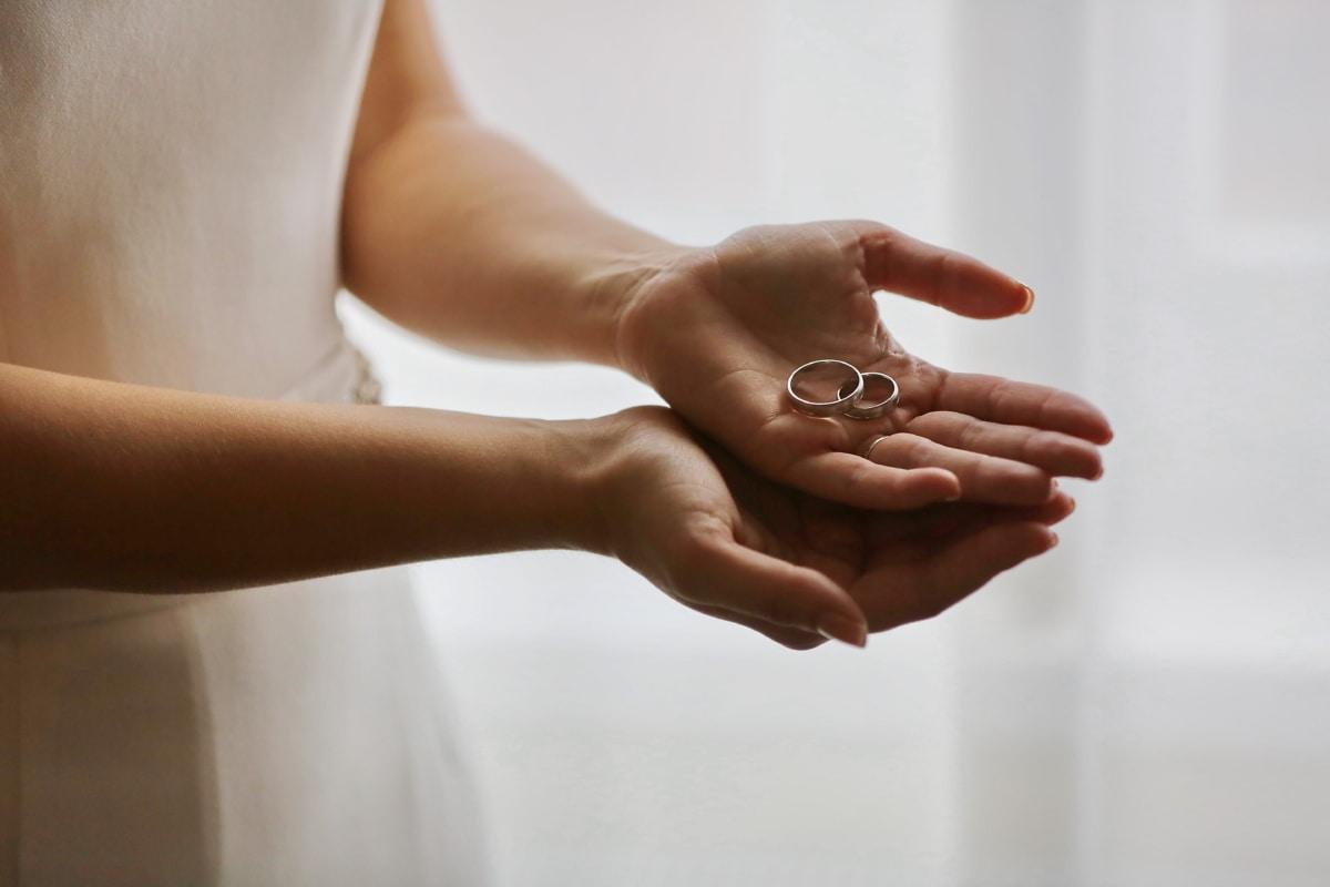 anneaux, bague de mariage, mains, Dame, femme, corps, Touch, main, à l'intérieur, amour