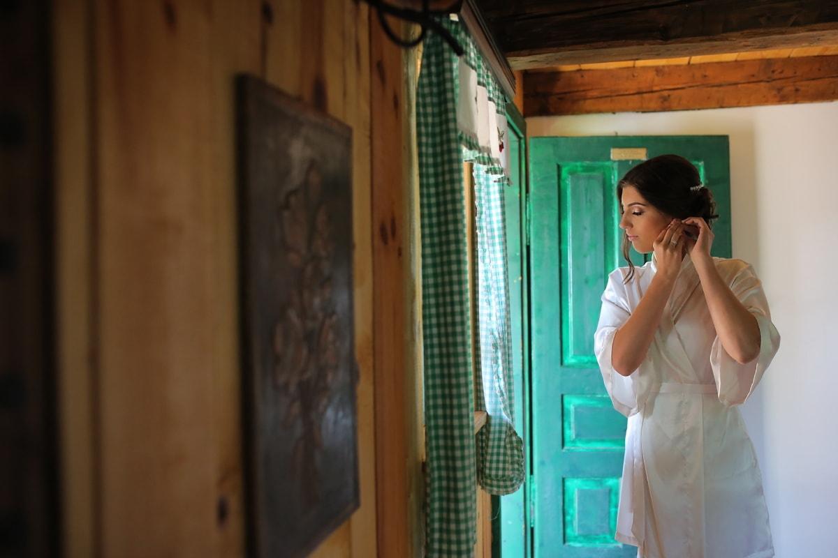 à l'intérieur, cabine, boucles d'oreilles, Jolie fille, robe, femme, à l'intérieur, gens, Porte, fenêtre