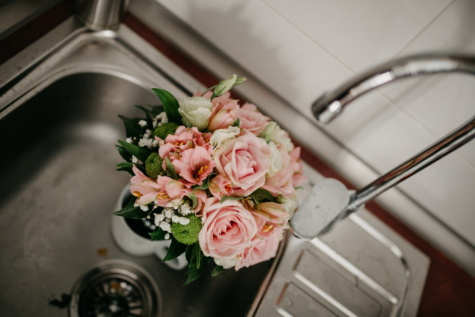 flowerpot, sink, kitchen, flower, flowers, decoration, bouquet, still life, rose, indoors