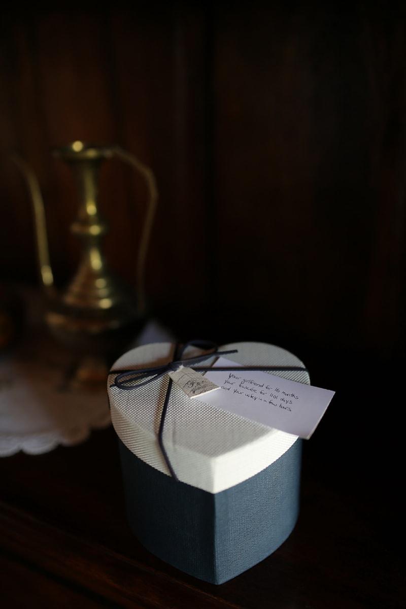 подарунок, повідомлення, Кохання, серце, поле, сюрприз, Натюрморт, деревина, весілля, Темний