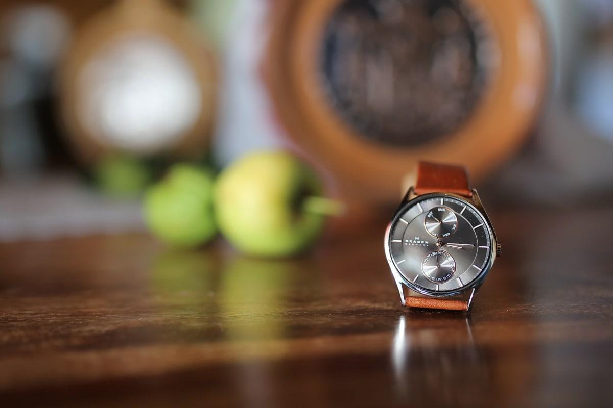 Zegarek na rękę, eleganckie, luksusowe, jabłka, Martwa natura, stół, zegar, czas, zegar, precyzja