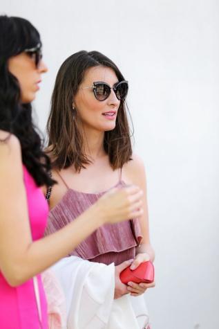 modèle photo, Svelte, Jolie fille, lunettes de soleil, coiffure, sac à main, Outfit, femme, mode, joli