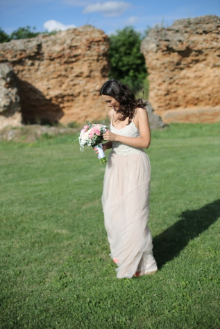 bride, cheerful, wedding, woman, grass, nature, summer, love, outdoors, relaxation